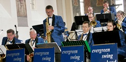 evergreen swing band in concert